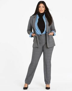 workwear styles for the hourglass figure