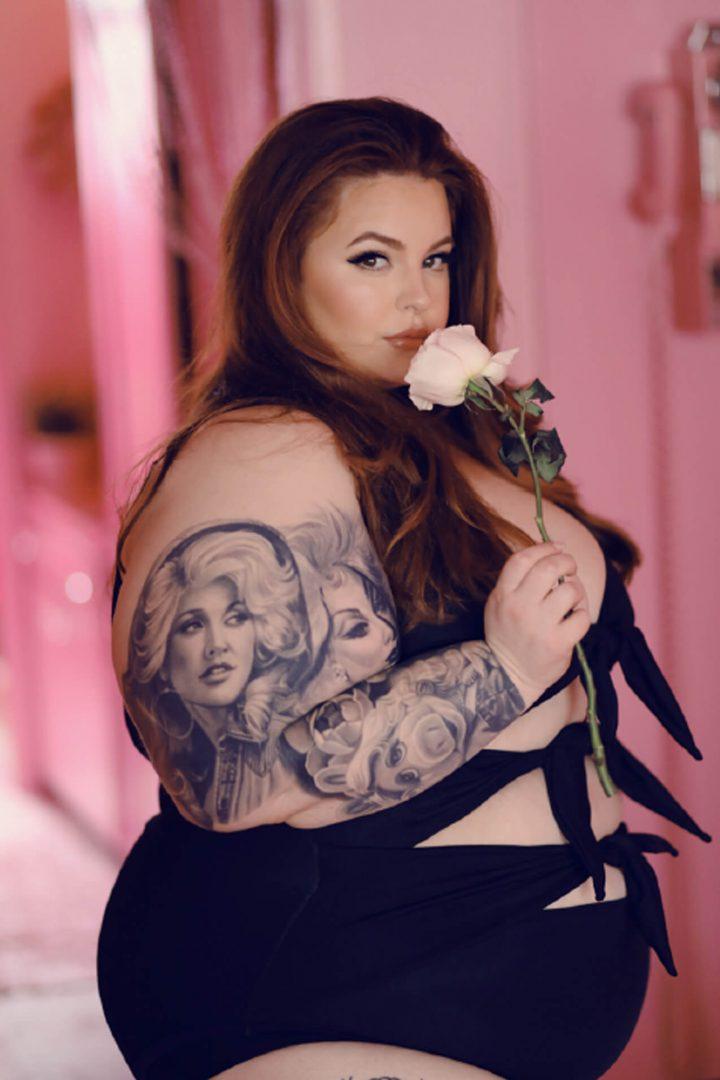 Meet the Size-22 Model Destroying Societys Beauty