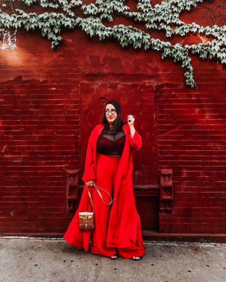 curvily plus size blogger