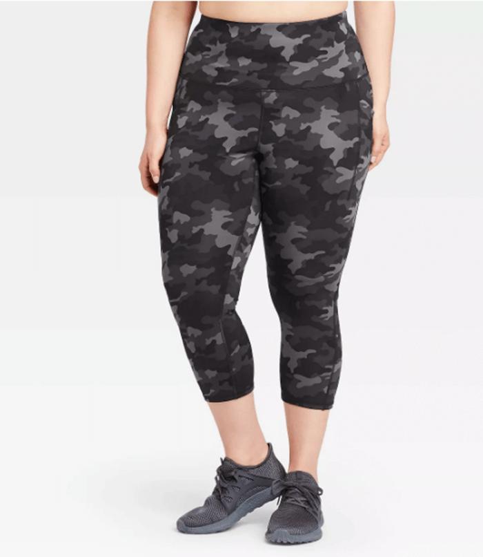 plus size activewear camo print capri leggings